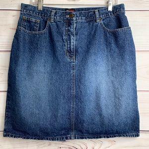 NEW YORK & COMPANY Dark Washed Denim Skirt Size 16
